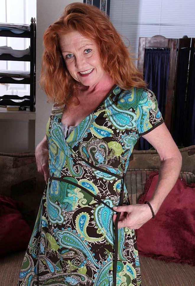 Unsere rassige Frau Claudia möchte ein erotisches Erlebnis.