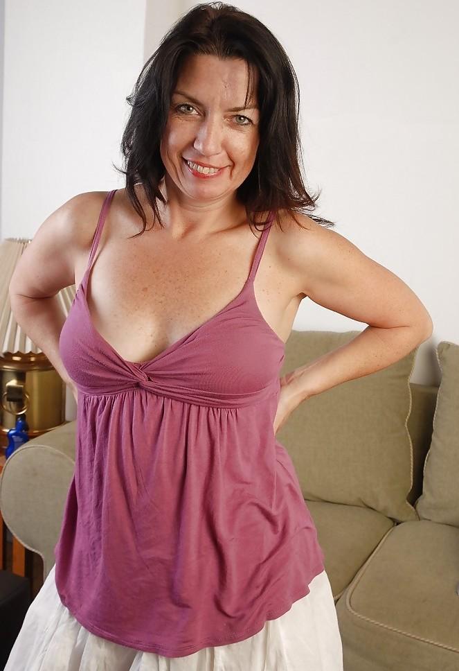 Die willige Dame Olivia braucht ein verführerisches Verhältnis.