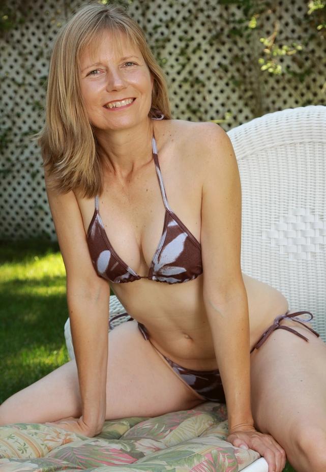 Frivole Cougar hat Lust auf ihr liebevolles Vergnügen.
