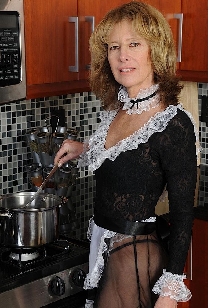 Unsere unternehmenslustige Dame Camilla sucht ihr lustvolles Vergnügen.
