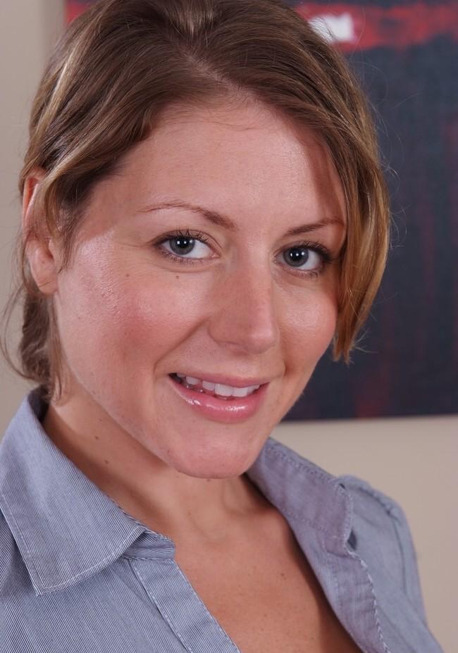 Unsere aufgeschlossene Hausfrau Inge sucht ein körperliches Erlebnis.