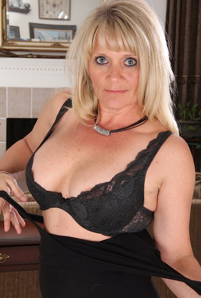 Die mannstolle Frau Gabriela will ihr kurzweiliges Erlebnis.