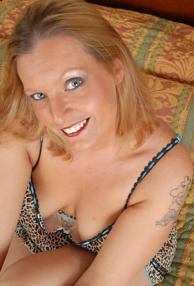 Reale Cougar hat Lust auf ihr einmaliges Verhältnis.
