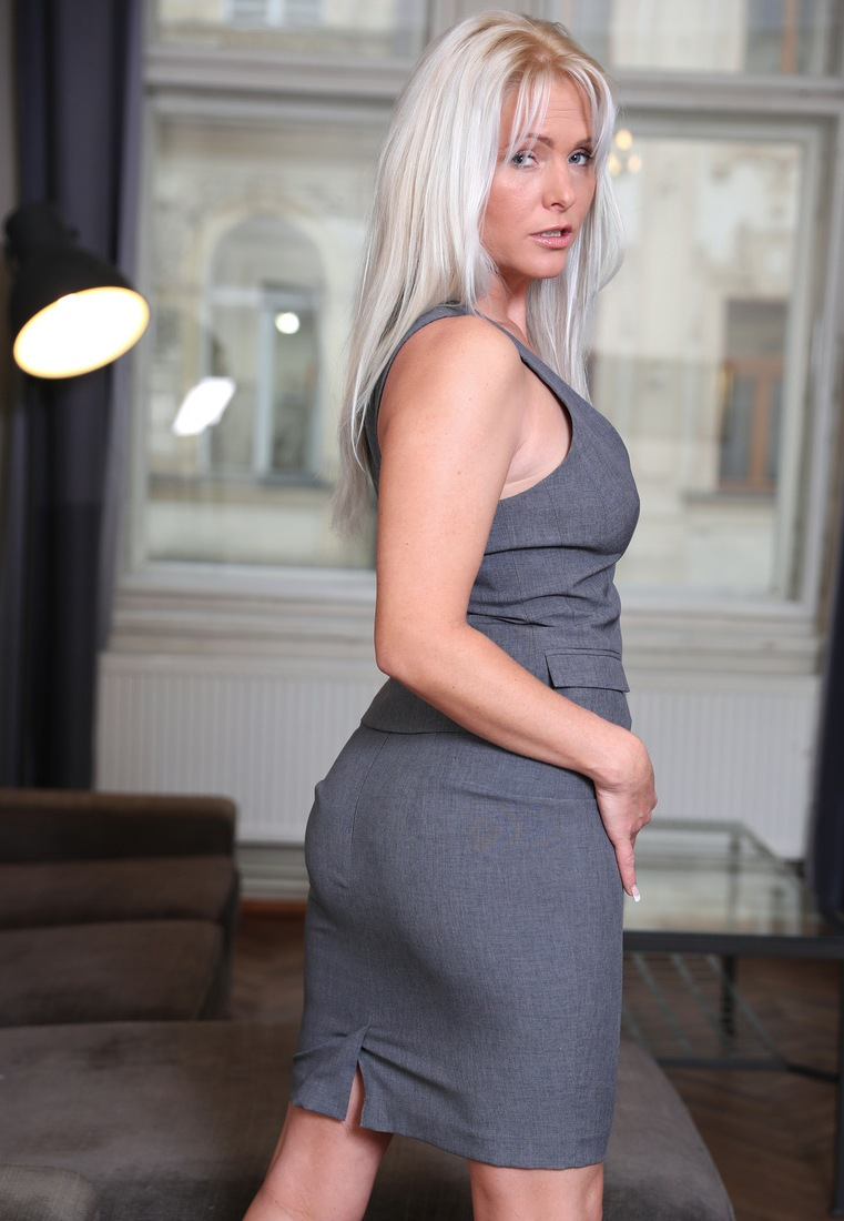 Die hier zu sehende reale Frau Bettina will ein leidenschaftliches Vergnügen.