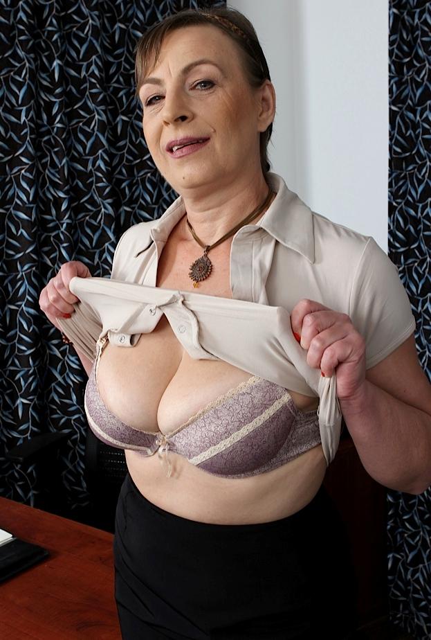 Nette Hausfrauen möchten ihr geiles Erlebnis.